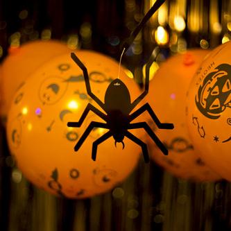 6 Halloween Girlande Spinnen & Fledermaus Deckenhänger