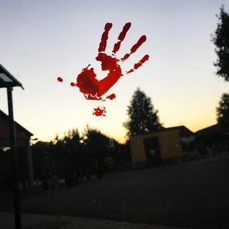 Halloween Sticker Blut Aufkleber - blutige Hände Füsse