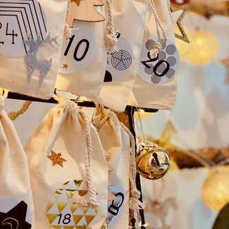 24 Sterne Sticker mit Pailletten Stern Aufkleber Glitzernd Weihnachtsdeko Deko Weihnachten - gold