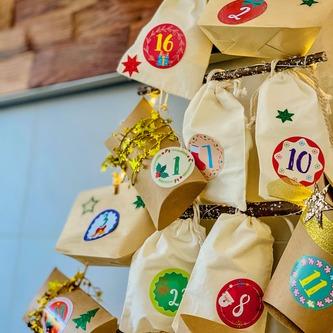 68 Sterne Sticker Aufkleber Glitzernd Funkelnd Weihnachtsdeko Weihnachtssterne - rot
