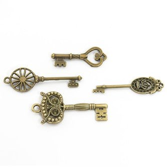 69 stylische Retro alte Bronze Schlüssel Deko Schmuck Anhänger Kette