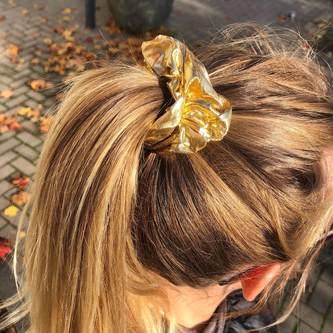 Scrunchie Haargummi Zopfgummi Haarband für Mädchen Damen 80er Jahre 80s Motto Kostüm Party - gold